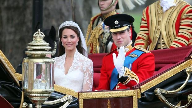 Kate Middleton in princ William na poročno noč kršila kraljeva pravila (foto: Profimedia)