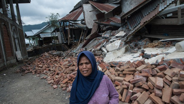 Po enem tednu je priljubljeni indonezijski otok Lombok stresel nov, še močnejši potres (foto: profimedia)