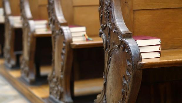 Zaradi spolne zlorabe štiriletna zaporna kazen za nekdanjega župnika iz Preske pri Medvodah (foto: profimedia)