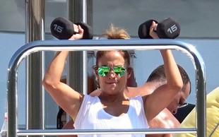 Jennifer Lopez tudi na počitnicah ne preskoči treninga