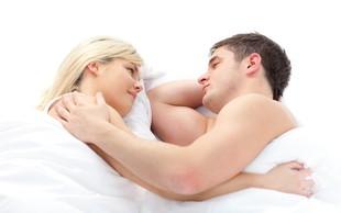 23 načinov, kako moški z dejanji pokaže ženski, da je do ušes zaljubljen