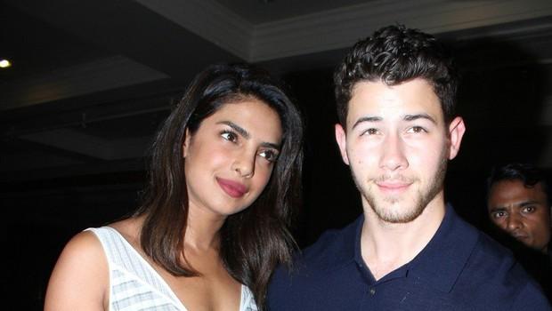Priyanka Chopra in Nick Jonas zaročena potem, ko sta se spoznala na poroki Meghan in Harryja (foto: profimedia)