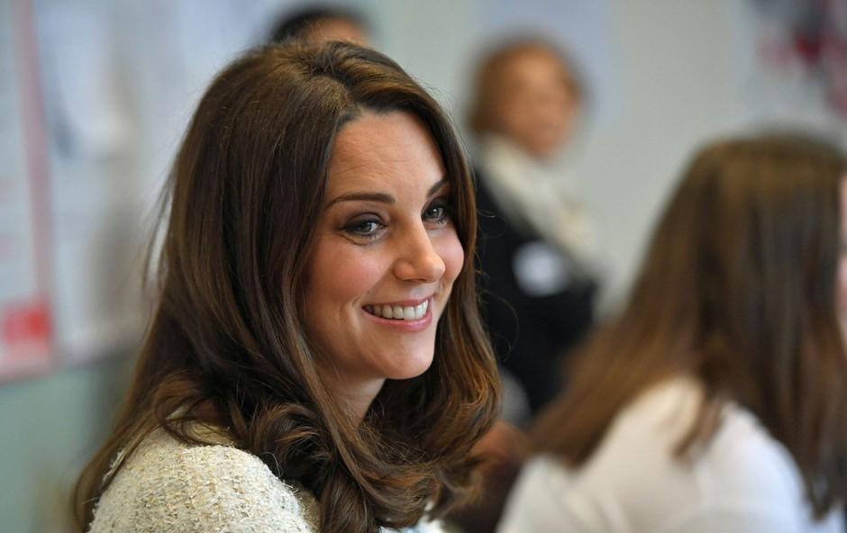 Ste kdaj opazili veliko brazgotino na glavi Kate Middleton? (foto: Profimedia)