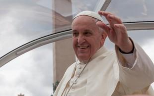 Papežev obisk na Irskem je dodatno razburkalo pismo nekdanjega vatikanskega veleposlanika v ZDA