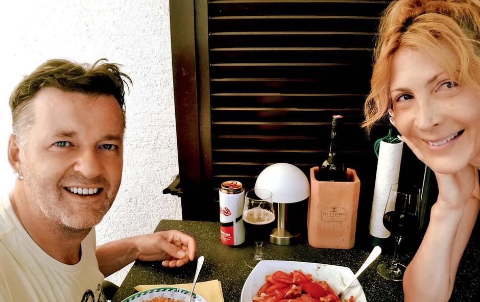 Simon in Diana Gomilšek: Nikamor brez kužkov (foto: osebni arhiv )