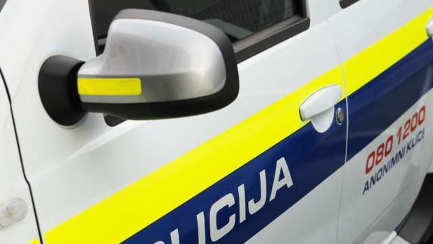 Z ukradenim vozilom proti policistu in v beg (foto: Daniel Novakovič/STA)