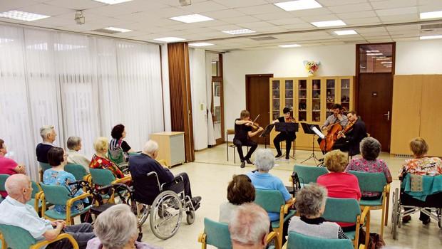 70 let Slovenske filharmonije: Slovenski filharmoniki med ljudi (foto: Arhiv slovenske filharmonije)