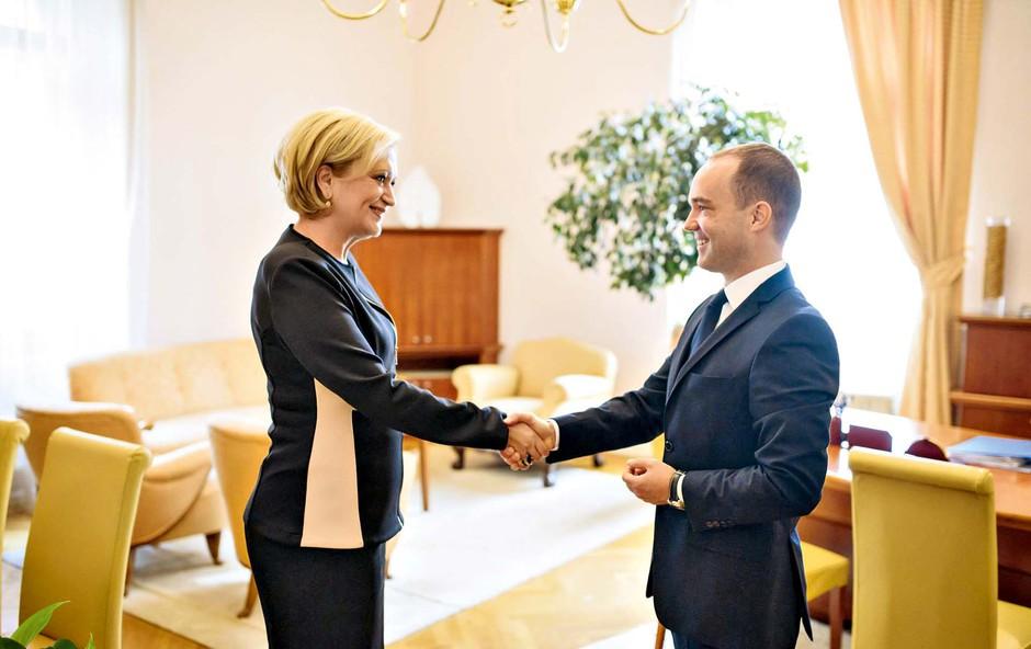 Ksenija Benedetti predala državni Protokol RS (foto: osebni arhiv)