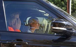 Paparaci Justina Bieberja ujeli povsem objokanega v avtu