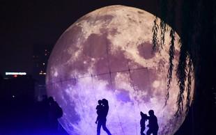 """Kitajska bo ulične svetilke nadomestila z """"umetnimi lunami"""""""