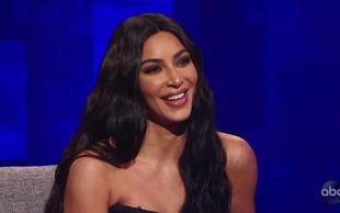 Kim Kardashian premika meje provokacije - tokrat na pol gola na sliki s hčerkico