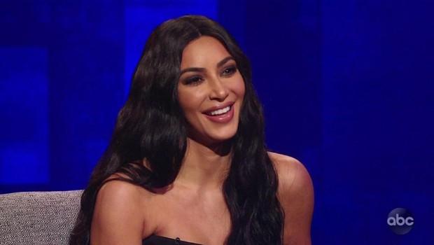 Kim Kardashian v prostoru, ki bi ji ga zavidala marsikatera ženska (foto: Profimedia)