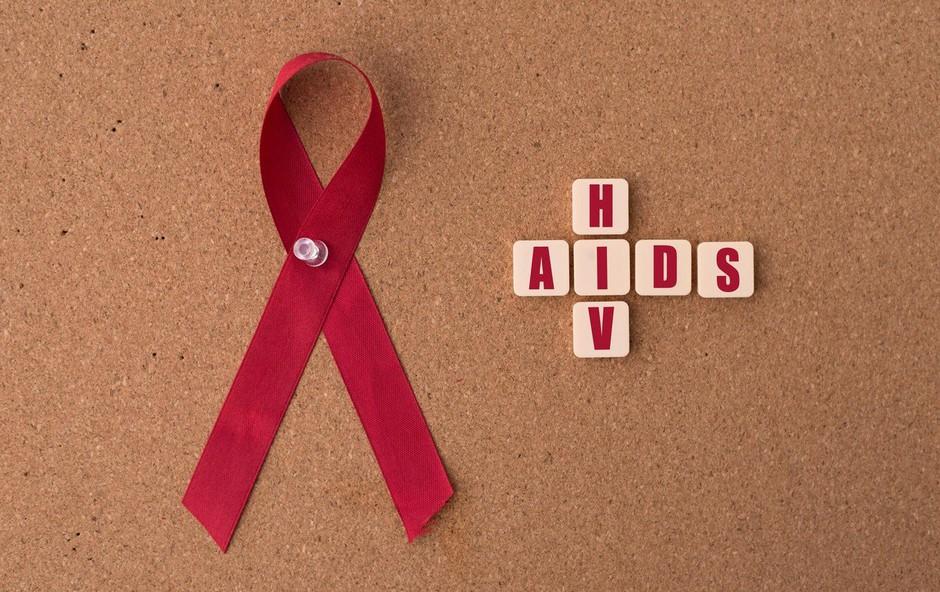 Projekt VIRUS vabi na akcijo osveščanja ob 1. decembru za akcijo 'Poznaš svoj status?' (foto: profimedia)