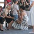 Zakaj Meghan Markle in Kate Middleton v času nosečnosti nosita tako kratka krila?