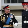 Princ Charles je na počitnicah s princem Harryjem in Williamom vedno vztrajal, da pobirajo smeti