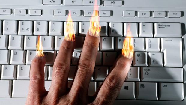 Sovražni govor postal nekaj normalnega, zato se pisci niti ne skrivajo več! (foto: profimedia)