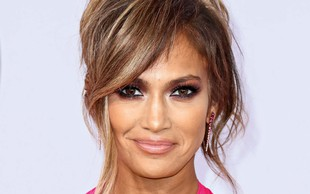 Jennifer Lopez bo letos slavila 50 let: Videti je odlično, a se zaradi tega sooča s sovraštvom