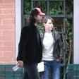 Keanu Reeves užival v družbi neznane dame. Je šlo za zmenek?