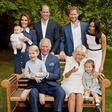 Zdaj je znano, zakaj se je kraljeva družina na fotografiji tako zelo smejala