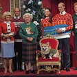 Kraljica Elizabeta ima 3 stroga pravila za odpiranje božičnih daril