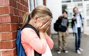 Bizarno sojenje nekdanjemu ravnatelju, ker nadlegovalcema ni dovolil vstop v šolo!