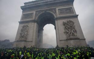 Francozi še naprej protestirajo zaradi cen goriva, nekateri izgredniki uničujejo avtomobile in okna