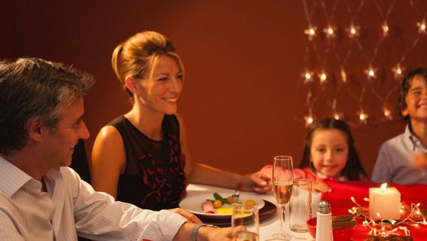 Pobuda restavracije: Otroci jedo zastonj, če starši ne uporabljajo mobitela med obrokom! (foto: Profimedia)