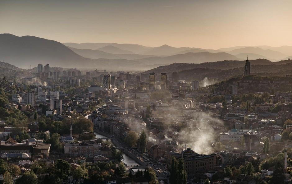 Sarajevo te dni postalo mesto z najbolj onesnaženim zrakom na svetu (foto: profimedia)