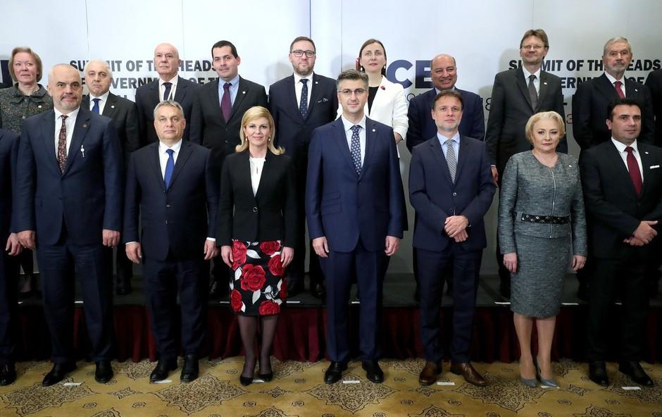 Kolinda Grabar Kitarović oblekla krilo o katerem zdaj vsi govorijo (foto: Profimedia)