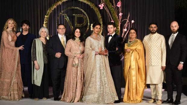 Razkošna poroka Priyanke Chopra ima tudi temno plat - oglasili so se zaščitniki živali! (foto: Profimedia)