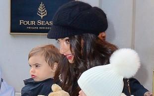 Amal Clooney z otrokoma po opravkih - lepo družinico so ujeli fotografi!