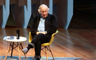 Filozof Noam Chomsky slavi 90. rojstni dan