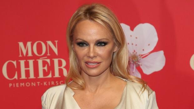 Pamela Anderson je nekoč osupljala v rdečih kopalkah, poglejte si, kakšna lepotica je danes (foto: Profimedia)