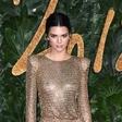 Kendall Jenner odvrgla vse krpice: Slikala se je gola!