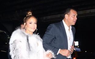 Jennifer Lopez na pragu 50 let pokazala fantastične noge