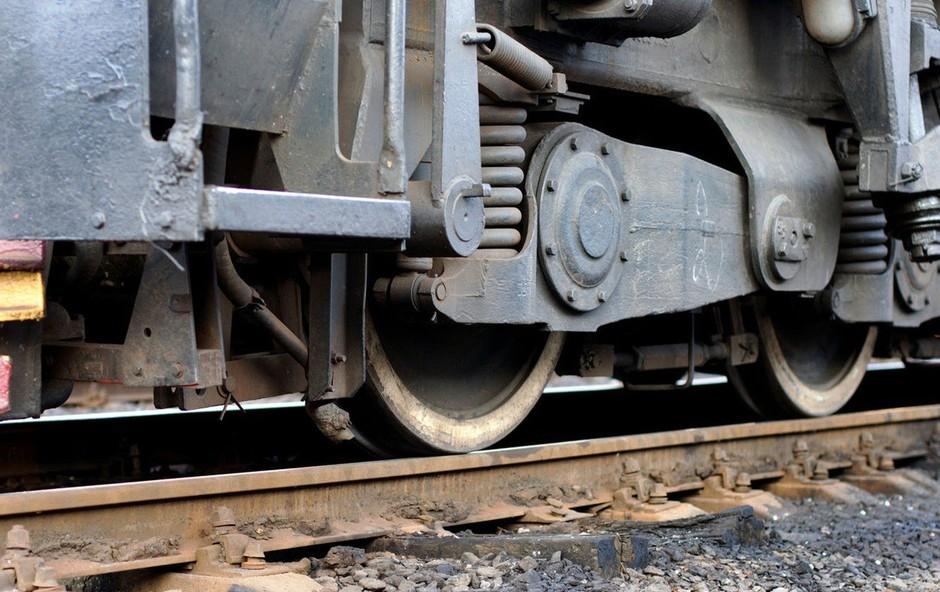 Huda nesreča v Srbiji: Vlak prepolovil avtobus - tri smrtne žrtve in več ranjenih (foto: Profimedia)