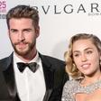 Ugibanj je konec: Miley Cyrus se je res poročila!