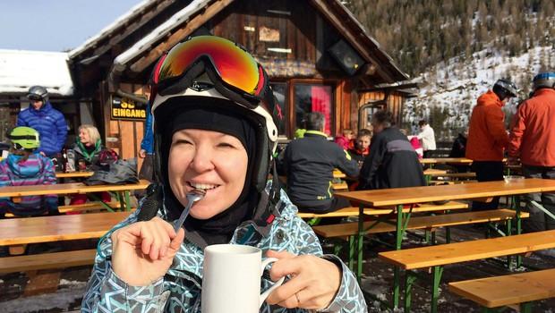 Priljubljena glasbenica Regina obožuje sneg in rada smuča! (foto: osebni arhiv)