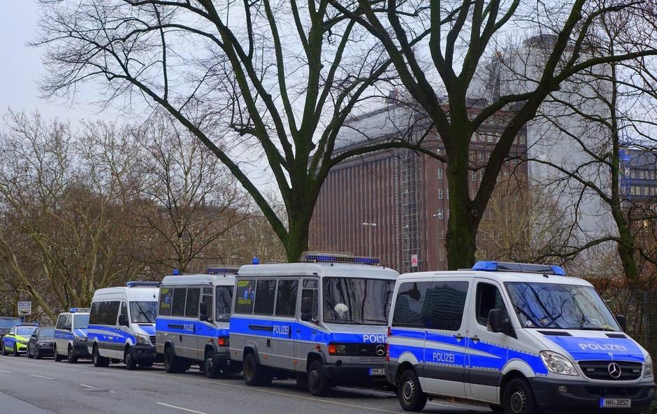 V Bremnu močno pretepli tamkajšnjega vodjo desničarske stranke (foto: Profimedia)