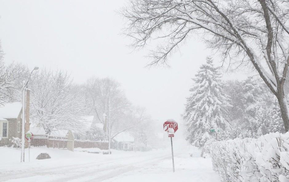 Zaradi snega še vedno pravi kaos v Nemčiji, Švici in Avstriji (foto: Profimedia)