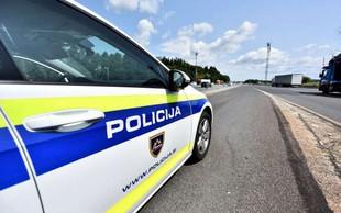 V Novem mestu policiste napadli s kamenjem