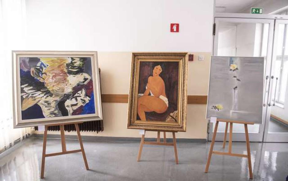 Z razstavo ponaredkov umetnin opozorili na kriminal na trgu umetnin (foto: STA)