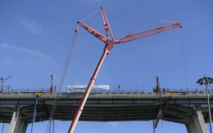 V Genovi  šest mesecev po tragediji začeli z odstranjevanjem ostankov porušenega viadukta