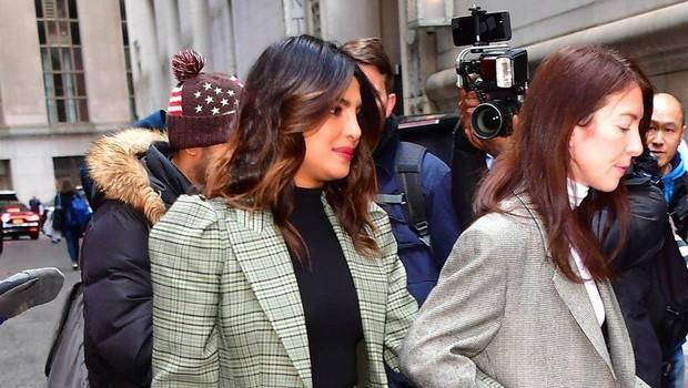Priyanka Chopra presenetila s trebuščkom. Je res noseča? (foto: Profimedia)