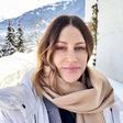 Simpatična glasbenica Hannah Mancini se je prepustila zimskim radostim