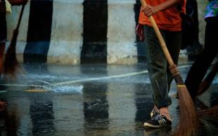Italijani presenečeni nad Japonko, ki čisti njihove mestne ulice!