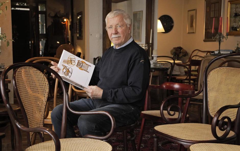 Jurij Rihar (restavrator Thonetovih stolov): Stol mora imeti zgodbo (foto: ALEKSANDRA SAšA PRELESNIK)