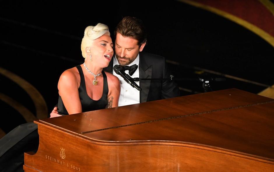 Lady Gaga se je odzvala na govorice o njeni nosečnosti (foto: Profimedia)