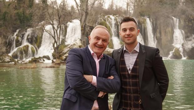 Videozgodbo, ki so jo med drugim posneli še med mogočnimi slapovi, govori o ljubezni med očetom in sinom. (foto: BOJAN DRAGOJEVIC)