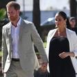 Kraljica navdušena nad Meghan Markle, ki kljub visoki nosečnosti opravlja vse kraljeve obveznosti